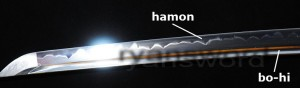 An example of a blade with an authentic hamon and a bo-hi (blood groove). Image from www.ryansword.com.